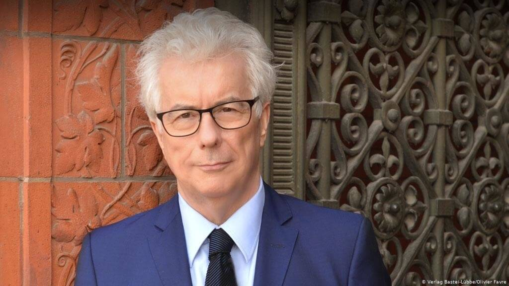 The Best Reading Order for Ken Follett Books